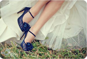 blue-wedding-shoes bowtie